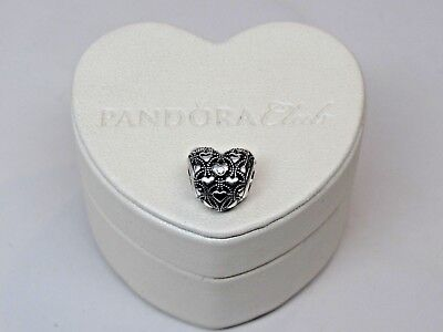 w/ Ltd Ed Heart Box 2016 Pandora Charm Club w/ genuine Diamond Charm
