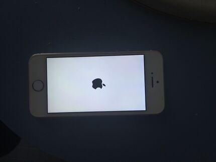 iPhone 5s 32gb White VERY GOOD CONDITION Ballajura Swan Area Preview