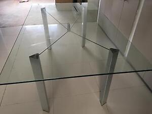 Dinning table Raby Campbelltown Area Preview