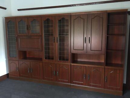 House pre-demolition sale