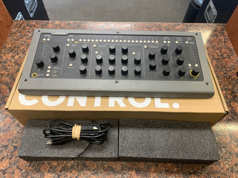 Softube Console 1 MKII Hardware and Software Mixer Control RS