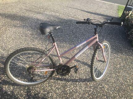 Girl's/ Lady's bike