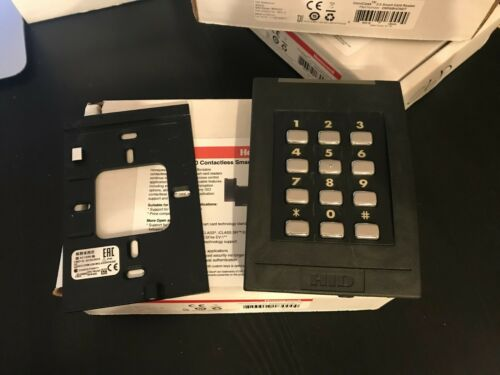 HID 6130BKT keypad and card reader