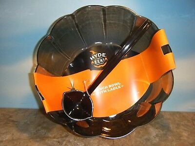 LARGE PLASTIC PUMPKIN SHAPED PUNCH BOWL WITH LADLE *NEW*](Halloween Ladle)