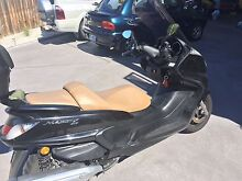 Yamaha Majesty 400 2007 with top box Blackmans Bay Kingborough Area Preview