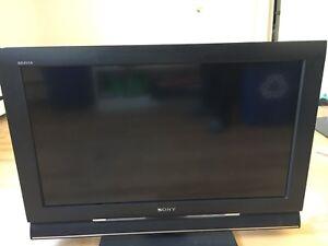 """SONY BRAVIA 32"""" LCD TV  kdl 32l4000"""