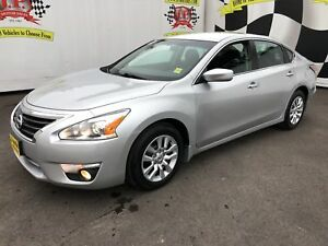 2015 Nissan Altima 2.5 S, Automatic, Bluetooth, 55,000km