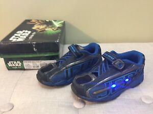 Boys Size 9 1/2 Stride Rite Running Shoes