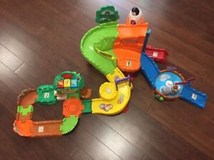 Vtech Zoo Toy with animals