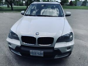 BMW X5 - 2010 AWD 3.0i - Excellent condition