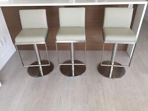 3 Modern bar stools