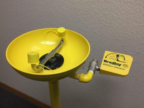 Bradley S19-210 Pedestal Mount Eye Wash Station w/ Plastic Eyewash Bowl