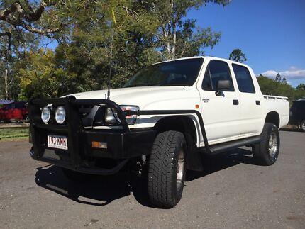 2003 toyota Hilux 4x4 dual cab St Lucia Brisbane South West Preview