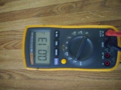 Fluke 17b Digital Multimeter See Photos