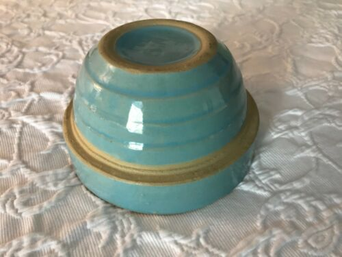 Vtg Monmouth Western Stoneware USA small blue shoulder batter/mixing bowl