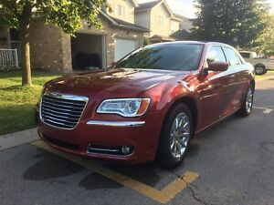 2013 Chrysler 300 Leather Seats ,Sunroof.3.6