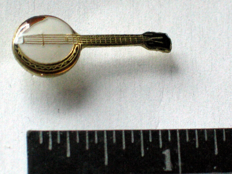 Vintage Banjo Pin , (Vintage hard Enamel Pin) (**)