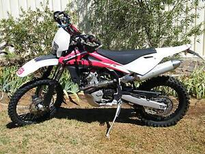 2010 HUSQVARNA TE450 MOTORCYCLE 1670KMS EXCELLENT CONDITION Young Young Area Preview