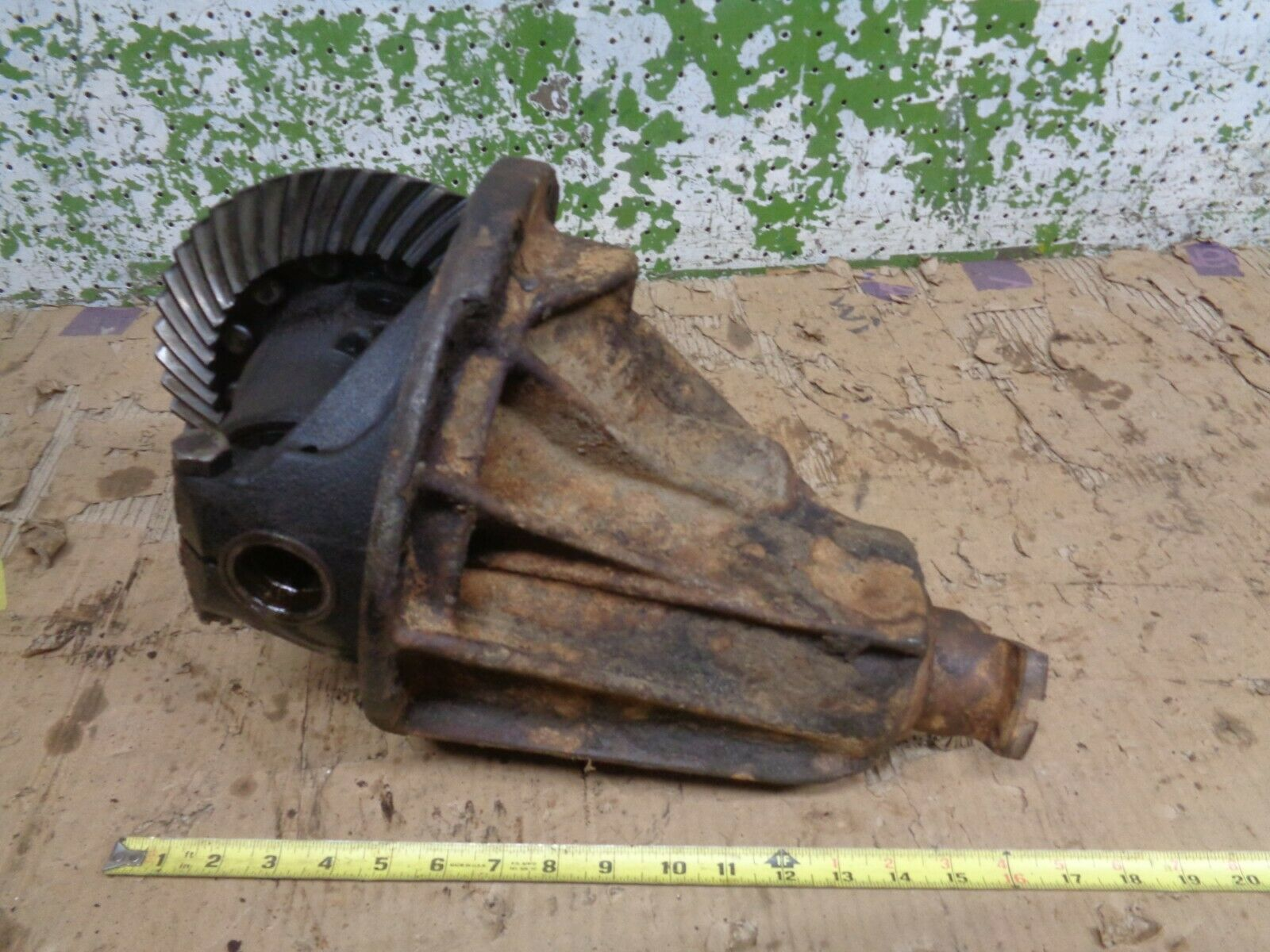 1956 CADILLAC DEVILLE  REAR END DIFFERENTIAL 3RD MEMBER GEAR RATIO 3.36  OEM