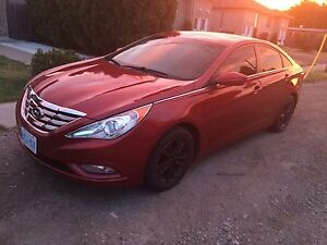 2011 Hyundai Sonata excellent condition