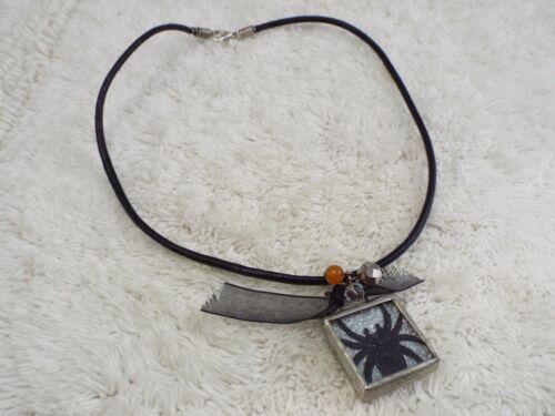 Black Spider Halloween Pendant Necklace (F40)