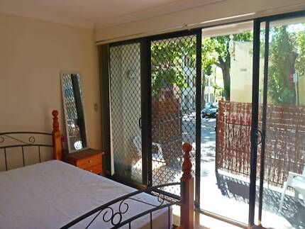 Chippendale: Sunny Room with Courtyard, Walk to Everything! Chippendale Inner Sydney Preview