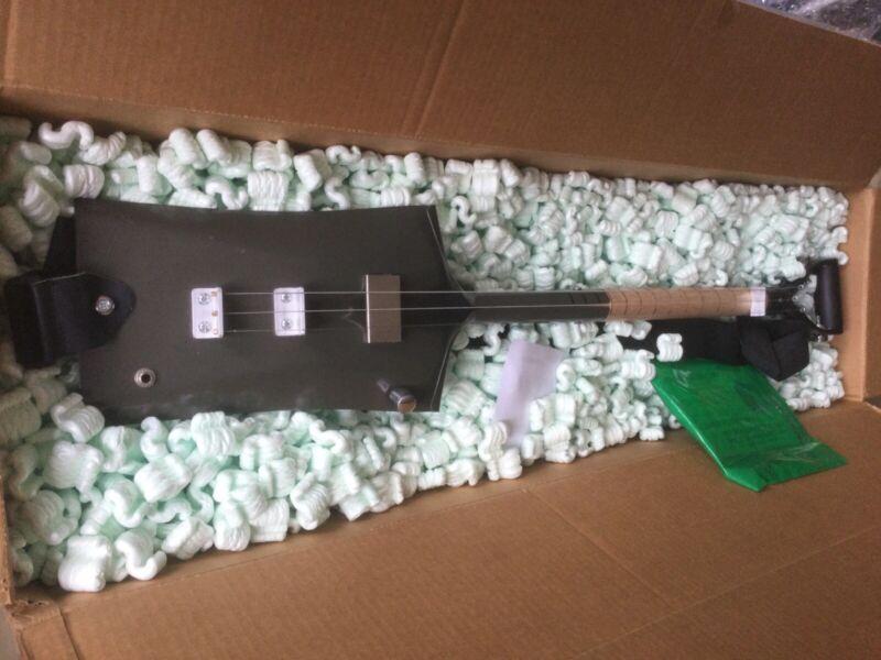 Signature 3-String Shovel Guitar Justin Johnson