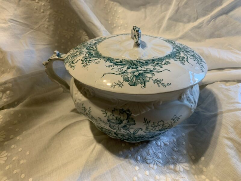 Antique Chamber Pot With Lid DUDSON, WILCOX & TILL England Carnation