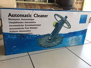 Automatic Pool cleaner with Hose Parkinson Brisbane South West Preview