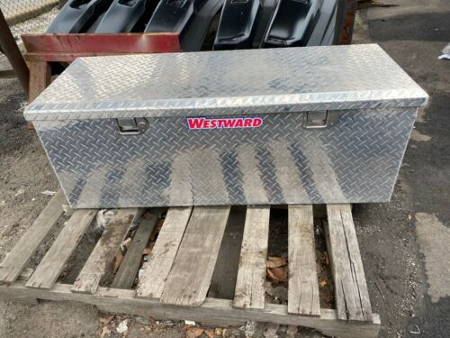 WESTWARD ALUMINUM TRUCK BOX TOOL CHEST - MODEL # 6GCP0