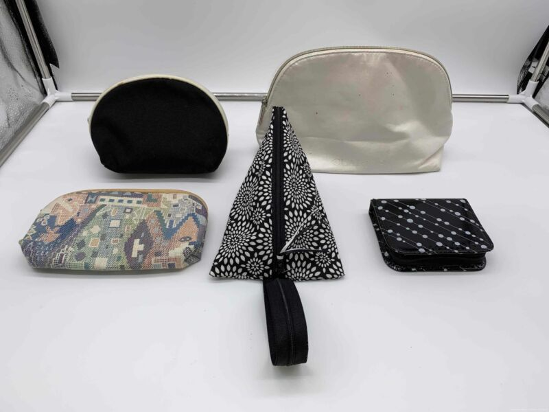 Lot of 5 Make up Bags