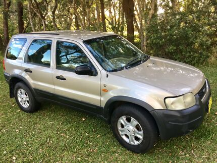 FORD ESCAPE  4X4 XLT GOLD V6 4 SPEED AUTOMATIC