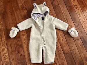 Gap Sherpa/floral bunny bunting suit 3-6 with matching mitts