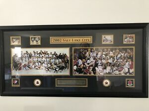 2002 Team Canada men's and women's Olympic Gold medal picture