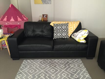 3 seater pleather lounge Fletcher Newcastle Area Preview