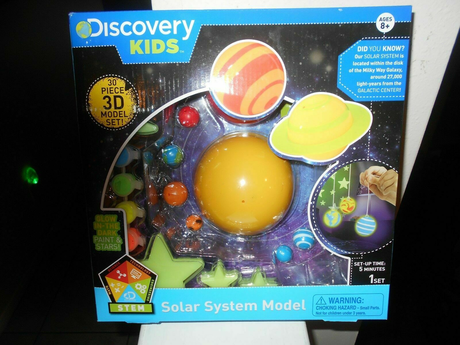 Discovery Kids 3d Glowing Solar System Science Planet Model Kit (ages 8 )