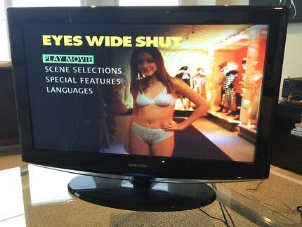 "Samsung LA32R81BD 32"" flatscreen LCD TV w remote + manual Bondi Beach Eastern Suburbs Preview"