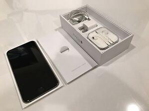 Unlocked, near mint, w/apple warr. to 02/17 iPhone 6 Plus 128 London Ontario image 1