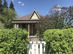 3 bed, 1 bath centrally located bungalow located in Edson AB