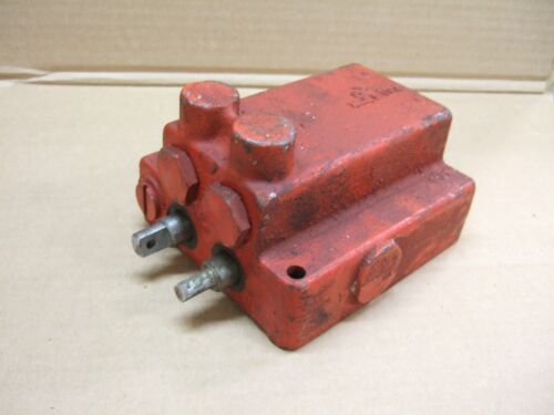 NEW TWO SPOOL CESSNA HYDRAULIC VALVE WITH SHIMMED RELIEF VALVE UNIVERSAL USE