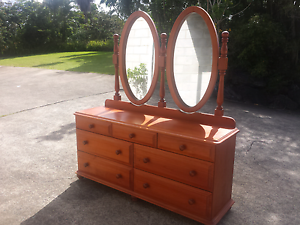 Twin mirror dresser drawers Elanora Gold Coast South Preview