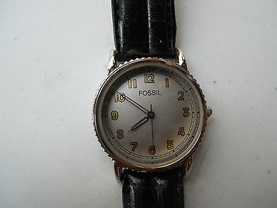 Fossil women's watch black leather band.quartz,battery & water resistant.Vt-2426