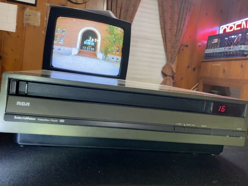 RCA Selectavision SJT-090 CED Videodisc Player Works Fine/with Manual No remote.