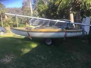 Maricat 4.3m Catamaran Charlestown Lake Macquarie Area Preview