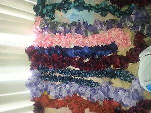 plusieur foulard faite a main de toute les coukeur