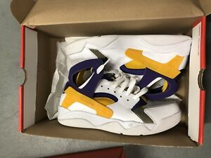 Nike air flight huarache US9.5