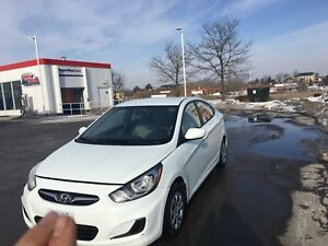 2012 Hyundai Accent mint low Km's