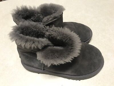 UGG Womens Original Kids Classic Short Sheepskin Boot - Grey US Size 3