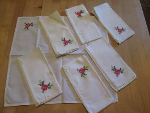 """TABLE NAPKINS HAND EMBROIDERED CROSS STITCH FLOWERS COTTON LINEN 15"""" VINTAGE EXC"""