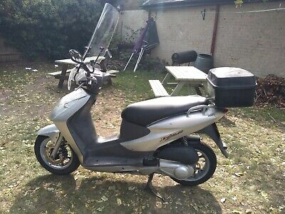 Honda SES 125cc Scooter, ULEZ COMPLIANT, MOT until 29/07/21, Only 11,648 miles.